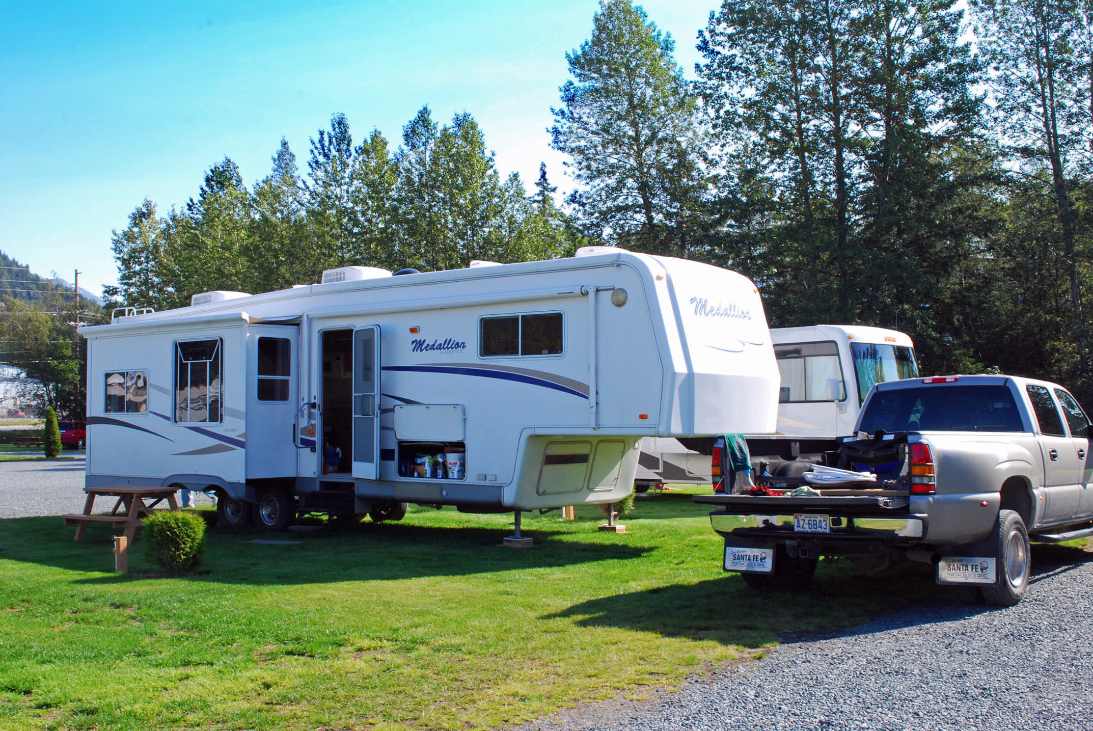 Haines Hitchup RV  Full Hookup